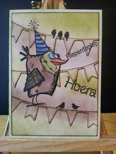 """"""" In mijn hokkie"""": Twee kaartjes gemaakt met de bird crazy stempels van Tim Holtz."""