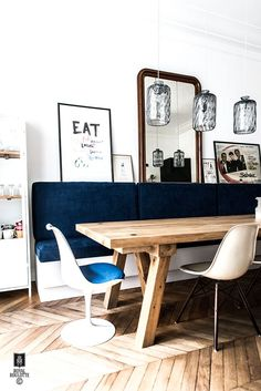 eclectic kitchen with Scandinavian style influence, cobalt blue banqette, ROYAL ROULOTTE -★- RENOVATION DECORATION PARIS XVI - 200 M2 -★- dining room