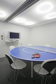 ping pong conf: Red Bull London Headquarters by Jump Studios