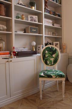 Lovisa Alcén Interior Ikea Hack, Living Room Interior, Home Projects, Interior Inspiration, Bookshelves, Interior And Exterior, Sweet Home, Room Decor, Dining