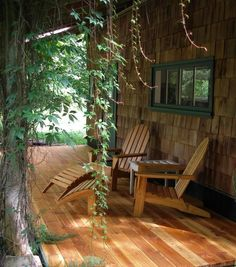 Applewood Cottage, Courtenay, Vancouver Island, BC - Vacation Rentals in Courtenay, Comox Valley - TripAdvisor Cool Apartments, Rental Apartments, Live In Style, Vancouver Island, Porch Swing, British Columbia, Ideal Home, Trip Advisor, Pergola