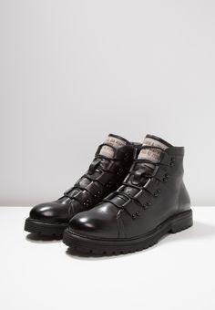 237 meilleures images du tableau Chaussures   Shoe boots, Shoes ... 5f239b06d1cf