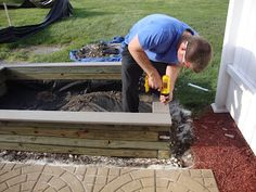 DIY Sandbox   #sandbox #tutorial - We're doing this...I am so excited!!!! Wait, I should tell the hubby :)