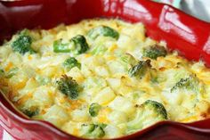 Ingredients    1 package Simply Potatoes® Diced Potatoes with Onions  12 oz frozen broccoli cuts  1 tsp garlic powder  1/2 tsp salt  1 can cream of chicken soup, undiluted  1 cup heavy cream  1 cup extra sharp shredded cheddar cheese        Instructions     Preheat the oven