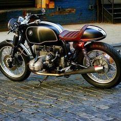 Bike Bmw, Cafe Bike, Cafe Racer Bikes, Cafe Racer Motorcycle, Cafe Racers, Motos Bmw, Bmw Scrambler, Cb 750 Cafe Racer, Cafe Racer Style