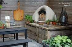 How to Use a Pizza Oven. Cooking Pizza in your Cob Oven.The Art of Doing Stuff Build A Pizza Oven, Diy Pizza Oven, Pizza Oven Outdoor, Oven Diy, Pizza Ovens, Home Depot, Make Your Own Pizza, Bread Oven, Four A Pizza