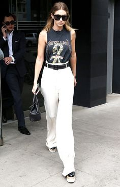 Gigi Hadid pairs her vintage tee with platform oxfords for a chic look