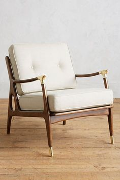 Looking for beautiful armchairs that will add some modern flair to your home? Here are 26 examples of modern and contemporary design you need to see. Home Living, My Living Room, Living Room Furniture, Home Furniture, Furniture Chairs, Furniture Stores, Room Chairs, Primitive Furniture, Brown Furniture
