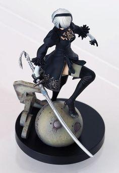 nier-figurine-yorha-2b-dessus