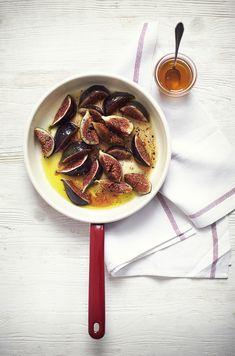 Fig and ricotta crostini