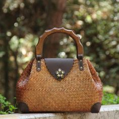 Straw Woven Wood Handle Handbag