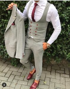 Great looking latest mens fashion 0832 Blazer Outfits Men, Mens Fashion Blazer, Stylish Mens Outfits, Suit Fashion, Indian Men Fashion, Latest Mens Fashion, Formal Men Outfit, Formal Shoes, Mode Costume