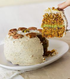 Incredibly Indulgent (and secretly healthy!) Raw Carrot Cake with Coconut-Matcha Frosting. Too good to be true! #vegan #raw