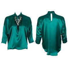 #whoswho #greenbird #marinamall #abudhabi #abudhabifashion #abudhabistyle #dubai #dubaifashion #dubaistyle #fashionista #womenswear #eveningwear #casualwear #fall2013 #winter2014 #blouse #silk #neckornament #collared #greensilk #green