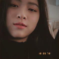 Kpop Girl Groups, Korean Girl Groups, Kpop Girls, Golden Family, Korean Princess, Ulzzang Korean Girl, Instagram Frame, Gfriend Sowon, This Is Love