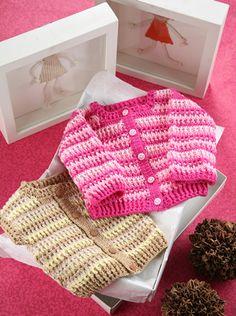 Set Saco y chaleco para bebe en crochet Descarga ya el patron en www.eviadigital.com Crochet Baby Poncho, Crochet Girls, Baby Knitting, Knit Crochet, Kids Dress Clothes, Doll Clothes, Baby Patterns, Crochet Patterns, Diy Bebe