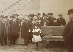Among the crowd to see the Lincoln family remains transferred back to the tomb on April 26, 1901, was Josephine Remann Edwards, who as a girl Lincoln carried on his shoulders. Edwards is standing just behind the two boys wearing caps, center