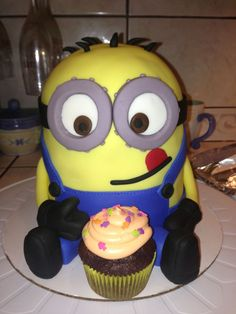 Despicable Me Cake JLS Custom Cakes  Desserts cakepins.com