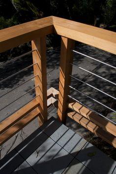 like the horizontal metal rails, could use conduit.