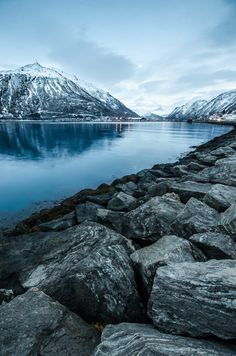 Tromsø #Norway ….Stay cheap and comfortable on your stopover in Oslo: www.airbnb.com/rooms/1036219?guests=2&s=ja99 and https://www.airbnb.no/rooms/10188728