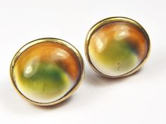 LOVELY PAIR ANTIQUE ENGLISH 9K GOLD NATURAL OPERCULUM SHELL STUD EARRINGS c1900