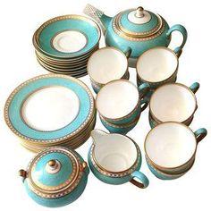 Wedgwood Ulander Powder Turquoise - 33 Pieces