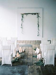 UrbanLoftInspiration. candele. sedie bianche. matrimonio simbolico http://wewed.it/pinterest-un-aiuto-per-organizzare-le-tue-nozze
