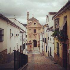 Al fondo la iglesia de Belén desde la Cuesta Merino #Antequera #Málaga #Andalucía
