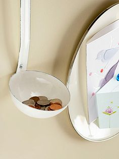 Old enamelware serving pieces placed on a wall near an entryway or in a home office can conveniently accommodate notes and coins. An enamel plate can function as a one-of-a-kind magnetic board for lists and reminders while a ladle catches spare change. Ideas Prácticas, Room Ideas, Decor Ideas, Craft Ideas, 3d Home, Do It Yourself Decoration, Repurposed Items, Home And Deco, Storage Solutions