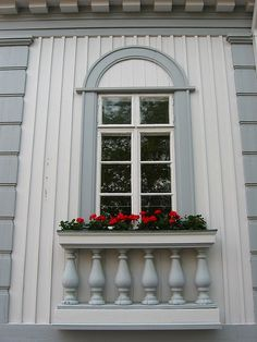 This is maybe my favorite window in old rauma ! Wooden Architecture, Western Coast, Wooden Houses, Scandinavian Furniture, Beautiful Things, Trips, Buildings, Sculptures, Castle