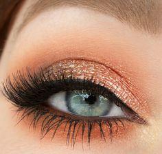 Makeup Geek Eyeshadows in Bada Bing, Mirage, Morocco and Peach Smoothie + Makeup Geek Foiled Eyeshadow in Flame Thrower + Makeup Geek Full Spectrum Eye Liner Pencil in Espresso + Makeup Geek Sparklers in Solar Flare. Look by: Gunn Kristine Drageland