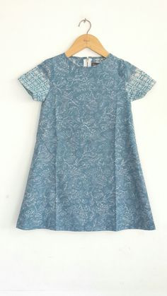 Dress for kids Handmade batik Cirebon Size S and XL Price 165.000 idr CP : 0817 087 9008