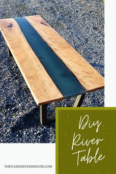 Find out the best tips for making your own resin river coffee table #diy #coffeetable Reclaimed Wood Desk, Reclaimed Wood Projects, Woodworking Plans, Woodworking Projects, Diy Projects, Paint Furniture, Furniture Makeover, Wood Bench Plans, Chalk Paint Kitchen
