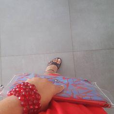 Lady in Red vandaag in combi met de Third Gemini clutch #baglove #red #clutch #ootd