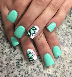 Nails and toes 45 Refreshing Green Nail Art Ideas Sea greens are always cool and fresh to look at so it's one of the most common nail colors around. And since green portrays more of nature, have that floral design and you'd be ready for spring and summer. Pedicure Designs, Best Nail Art Designs, Nail Designs Spring, Pedicure Ideas, Shellac Pedicure, Spring Design, Pedicure Colors, Mint Nail Designs, Cnd Shellac
