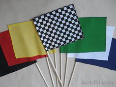 how to make mini race flags in 3 easy steps / might put flags outside of classroom with subjects on them