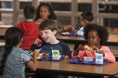 Primary school students are more likely to eat a nutritional breakfast when given 10 extra minutes to do so either in the school cafeteria (increase by or in the classroom (increase by according to a new study. Creative School Lunches, Kids Lunch For School, Muesli, Slimming World, Kindergarten Lunch, National Nutrition Month, Bacon, School Breakfast, Free Breakfast
