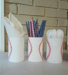 Baseball birthday DIY decor.