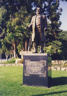 Griffith Park - 4730 Crystal Springs Dr. #GriffithPark #Hollywood #Statue #Griffith #CityPark #Thingstodo #Placestovisit #DHmagazine