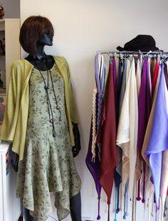 Lacestrikket kjolr og jakke i silke og lin