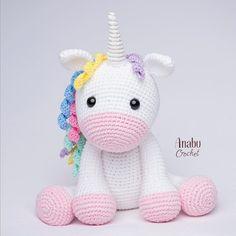 Amigurumi crochet and knitting toy unicorn models are waiting for you.Amigurumi unicornio consists of new recipes. Cute Crochet, Crochet Crafts, Crochet Baby, Crochet Projects, Crochet Amigurumi Free Patterns, Crochet Dolls, Crochet Unicorn Pattern Free, Fanni Stitch, Unicorn Crafts