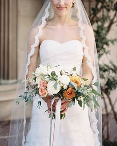 22 Scalloped Wedding Ideas Classic Couples Will Adore Summer Wedding Bouquets, Bride Bouquets, Wedding Dresses, Bouquet Flowers, Wedding Flowers, Post Wedding, Wedding Veils, Wedding Cake Alternatives, Vintage Wedding Photography
