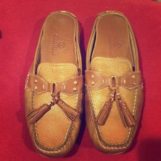 COLE HANN slip-on loafer leather toggle loafer- beautiful gold hardware- comfortable cushion insole -- small signs of wear...only damage is on bottom perimeter Cole Haan Shoes