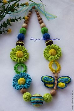 Diy Crafts - Hi crochet lovers around the world! It is always amusing and funny to learn how to make different crochet cords. With this crochet cord v Crochet Bracelet, Bead Crochet, Crochet Crafts, Yarn Crafts, Crochet Projects, Crochet Earrings, Diy Crafts, Textile Jewelry, Fabric Jewelry