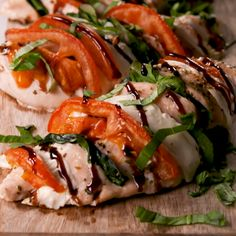 Caprese Stuffed Chicken Dinner has never been so good. Related posts: Spinach Stuffed Chicken Chicken and Broccoli Stuffed Spaghetti Squash Balsamic Chicken Avocado Caprese Salad is a quick and easy meal in a salad drizz… Baked Mozzarella Chicken Rolls Clean Eating, Healthy Eating, Dinner Healthy, Healthy Food, Good Food, Yummy Food, Cooking Recipes, Healthy Recipes, Cooking Tv