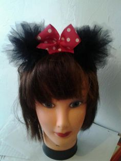 Possible Minnie Mouse ears for a costume....O LILLI....this IS you !!!!