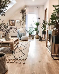 Bohemian Latest And Stylish Home decor Design And Life Style Ideas - Bohemian Home Living Room Decor, Stylish Home Decor, Home Decor Inspiration, Home Living Room, Decor Design, Home Decor, Apartment Decor, Interior Design Living Room, Interior Design