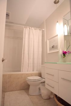 beach house in the city: room tour: basement bathroom