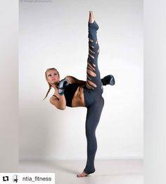Flexibilidade, graça, força e beleza em uma única imagem.