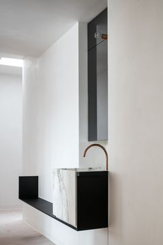 Bathroom - Project DB in Ghent Belgium by Frederic Kielemoes
